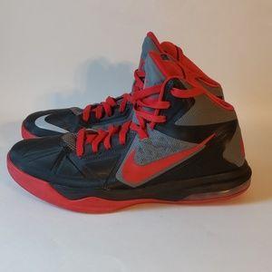 Men's Nike Air Max Basketball Shoe Size 10.5